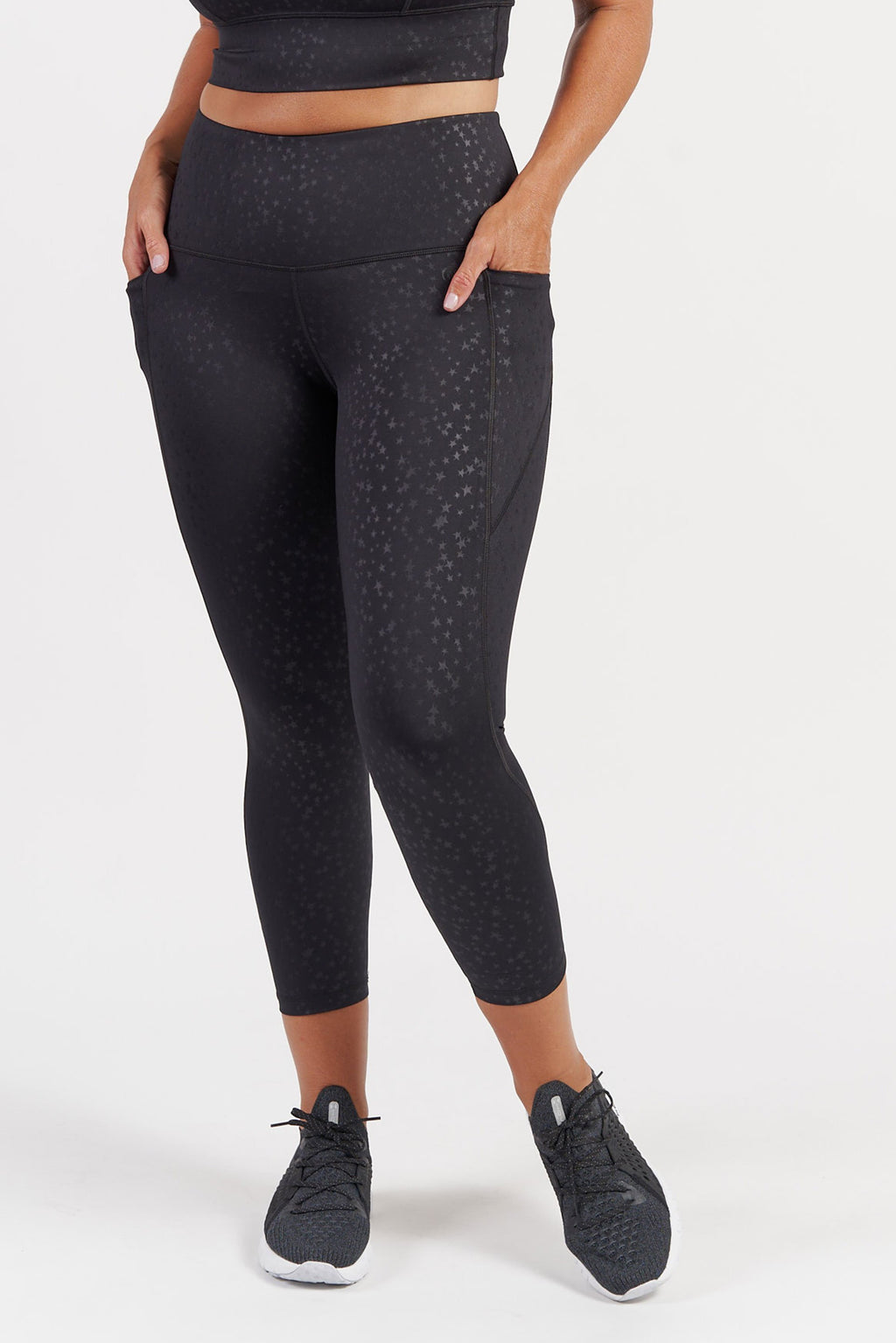 7-8-length-gym-tight-black-star-large-front
