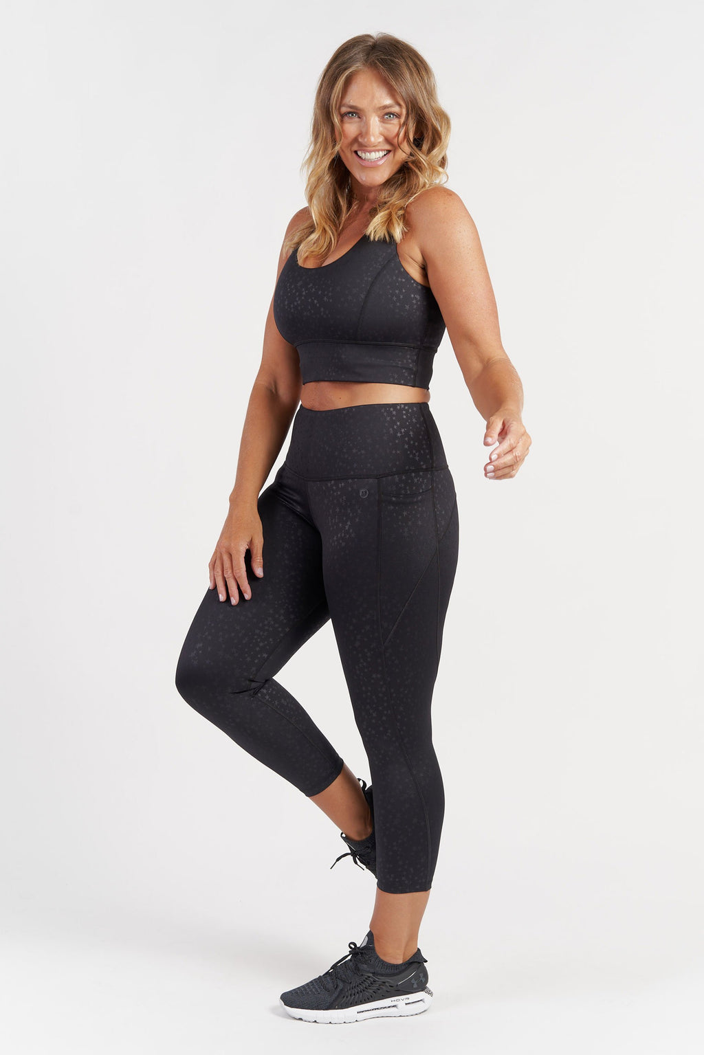 7-8-length-gym-tight-black-star-large-side