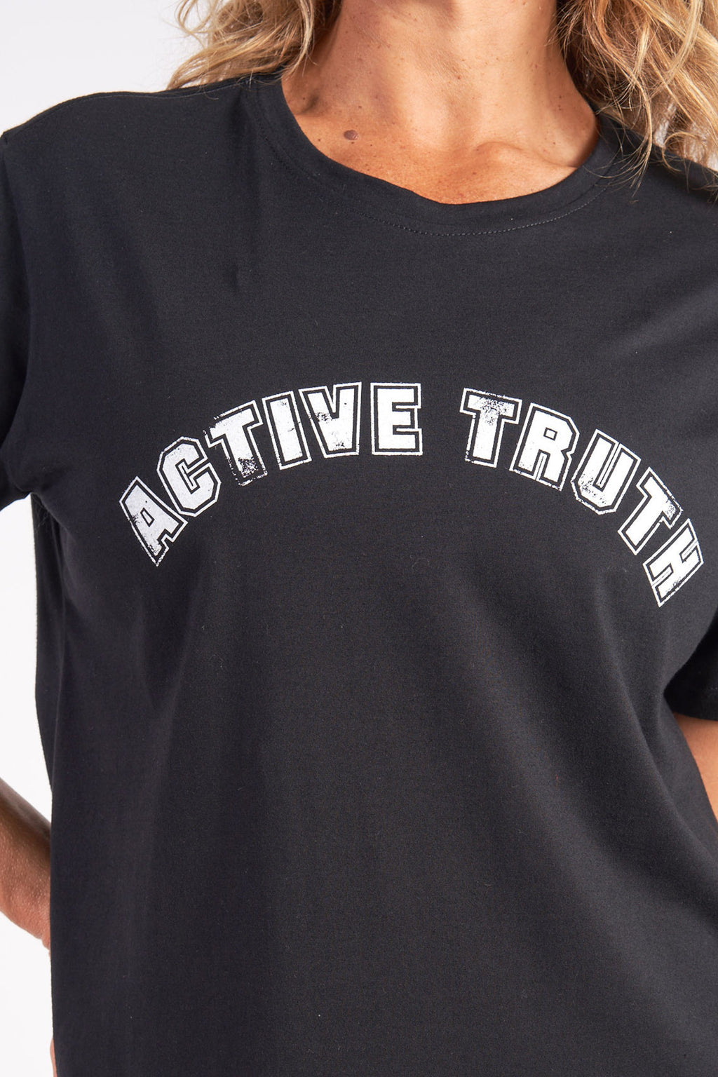 activewear-relaxed-crew-tee-organic-cotton-black-large-front