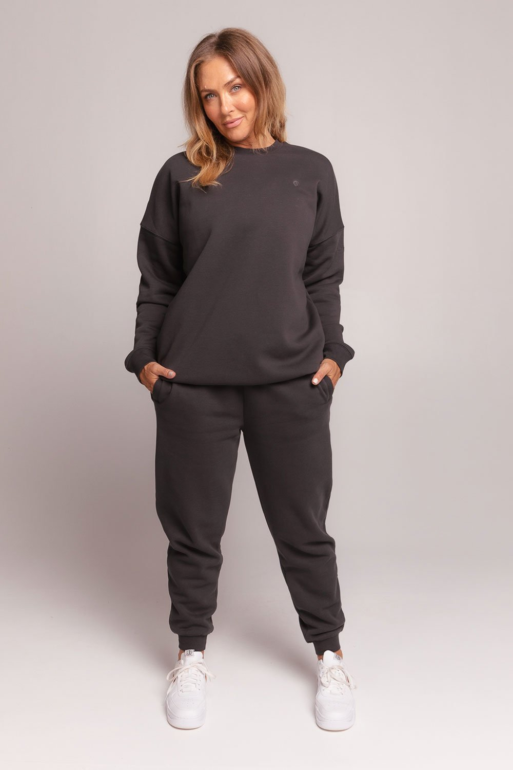 oversized-sweatshirt-black-large-front