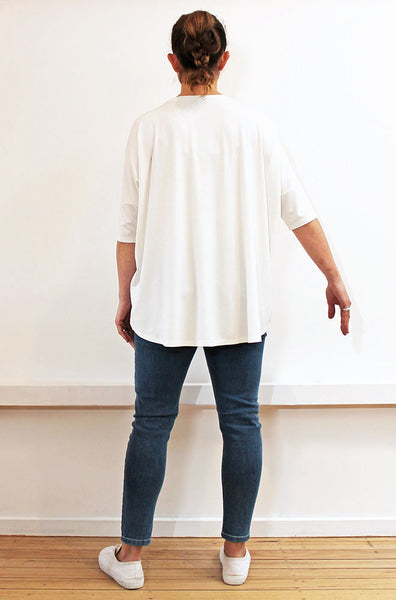 SHORTLIST - BAMBOO SHORT SLEEVE CURVED HEM BOX TEE - IVORY