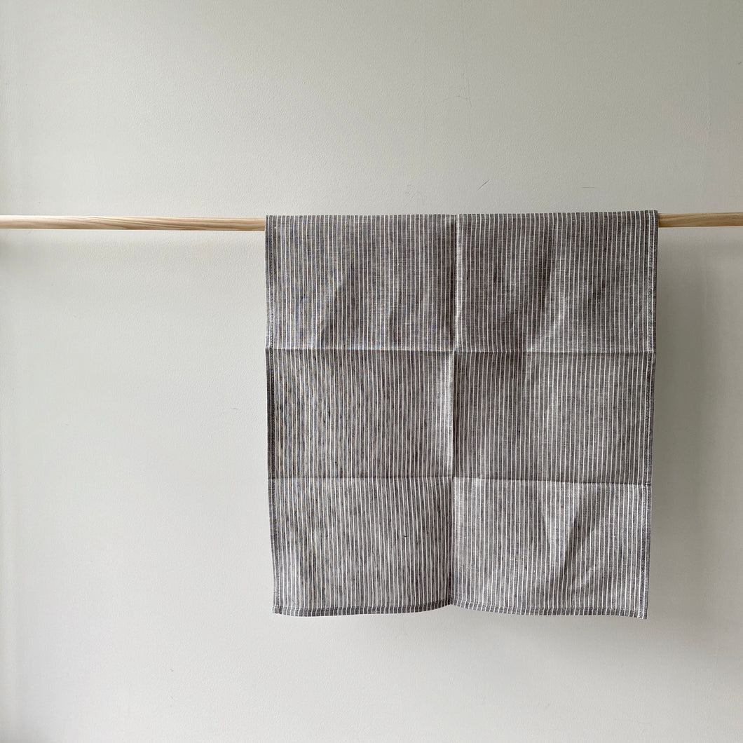 Fog Linen Tea Towel /  Grey Thin White