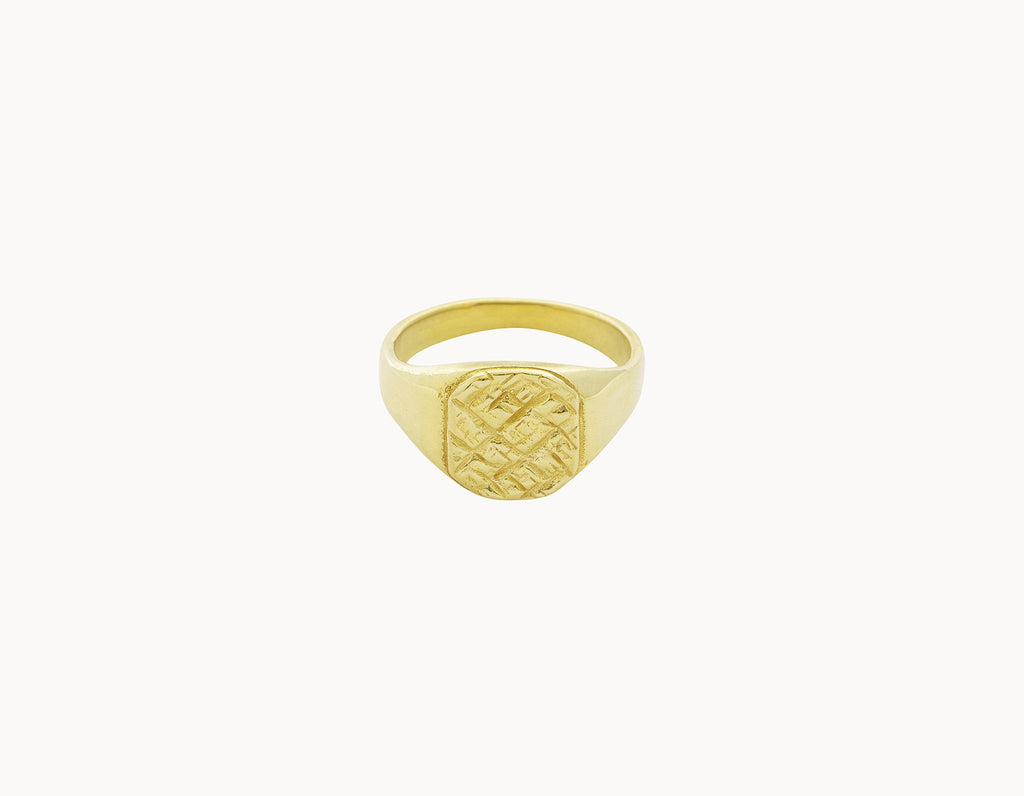 Flawed Ring Labyrinth Gold