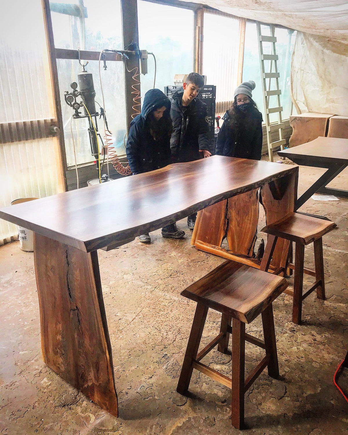 Bar - Breakfast Bar - Kitchen Table - High Table with Stools