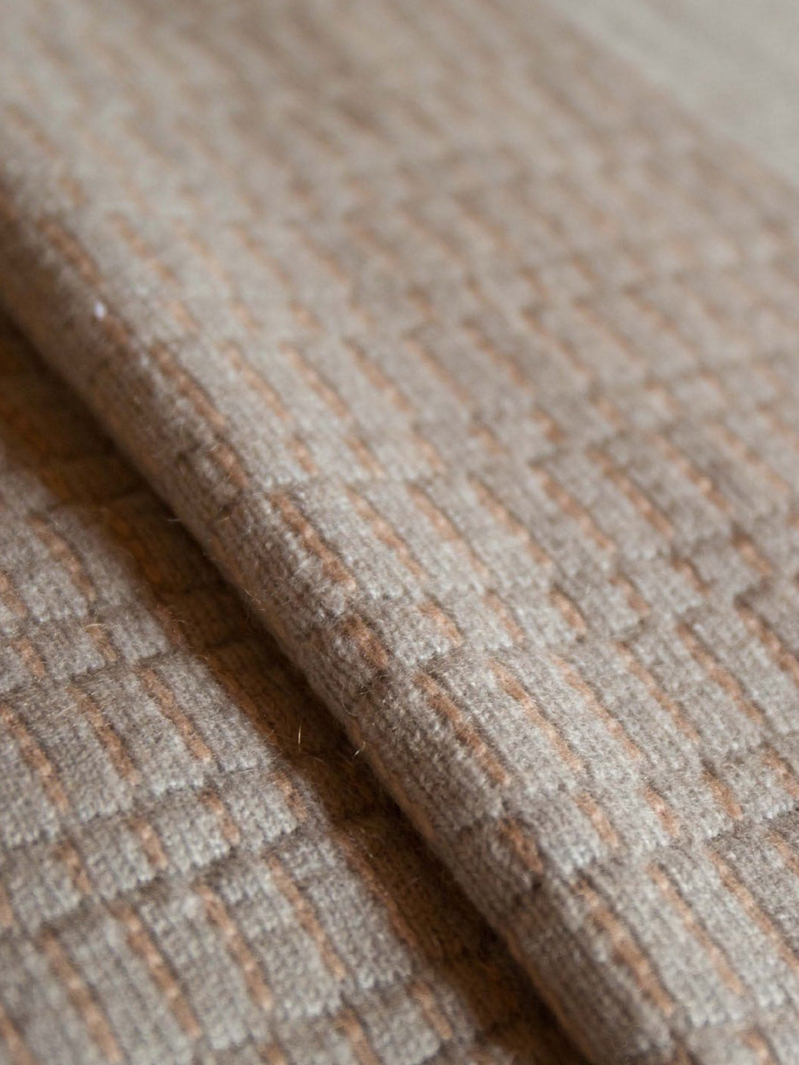 BICOLOR TAUPE BLANKET
