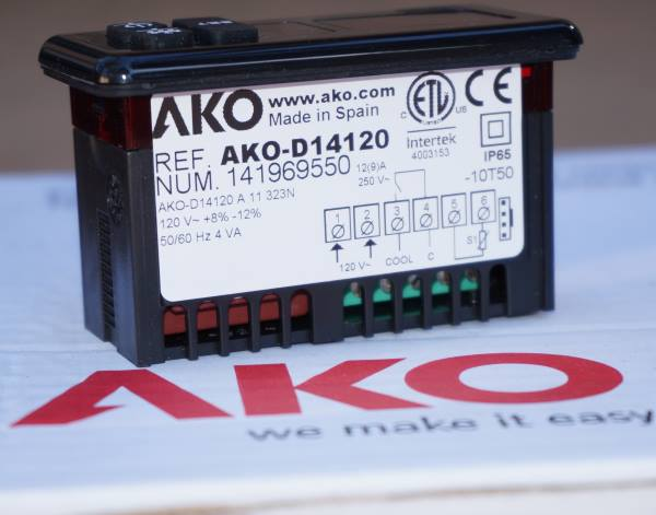 AKO D14120 Digital Thermostat for Refrigeration 120v