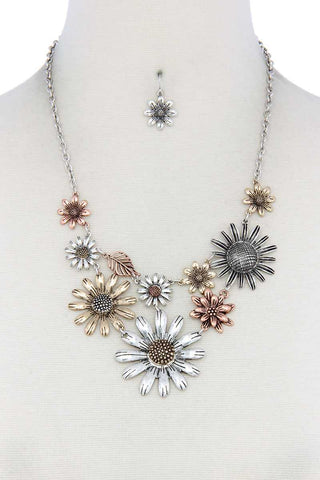 Mutli Color Flower Necklace