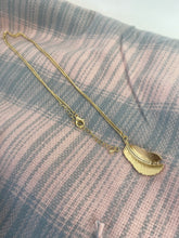 Load image into Gallery viewer, Gold Leaf Long Necklace