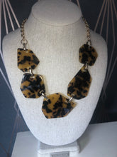 Load image into Gallery viewer, Resin Animalistic Statement Necklace