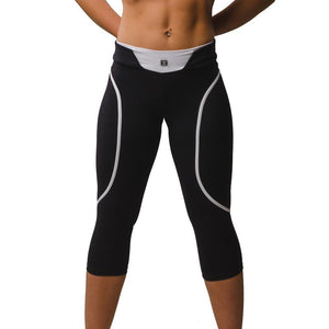 Load image into Gallery viewer, ZAAZEE Eszter 3/4 Capri Gym Legging Jet Black / Arctic White