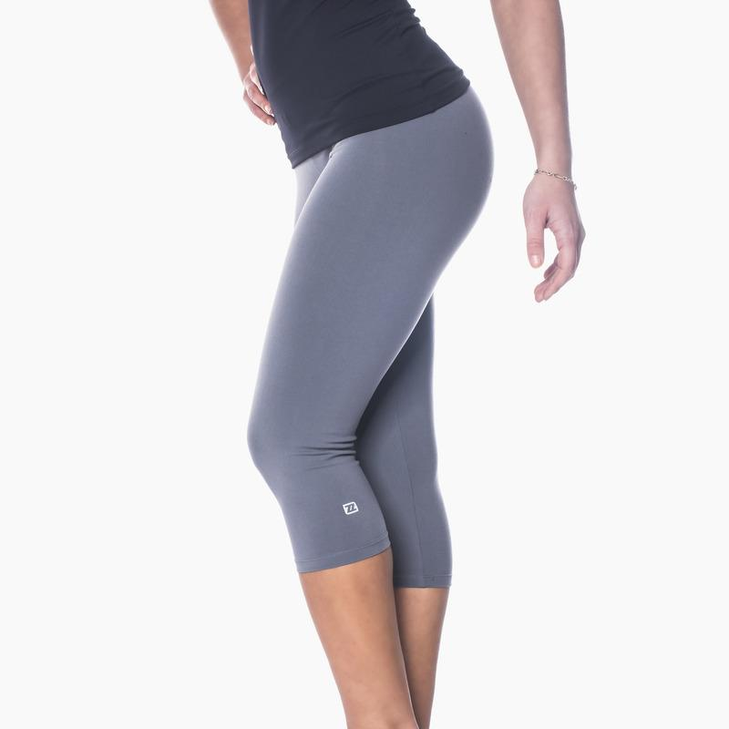 Load image into Gallery viewer, ZAAZEE Zavia 3/4 Capri Gym Legging Storm Grey
