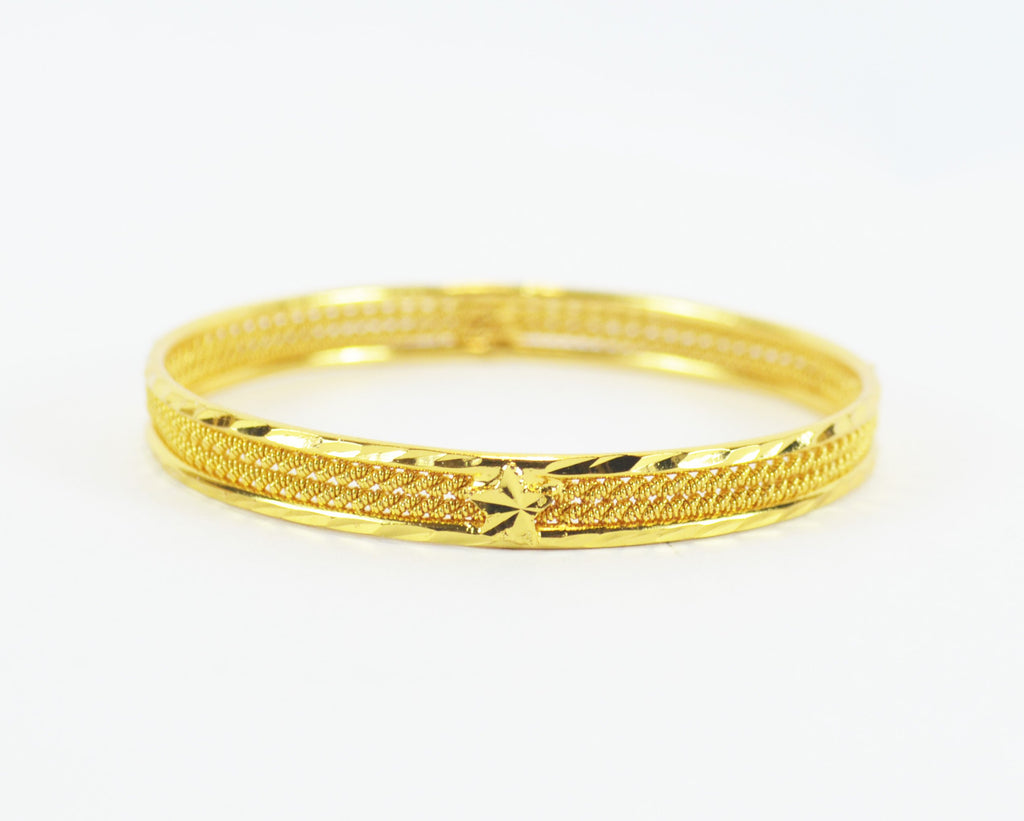 Beautiful gold plated shiny bangle