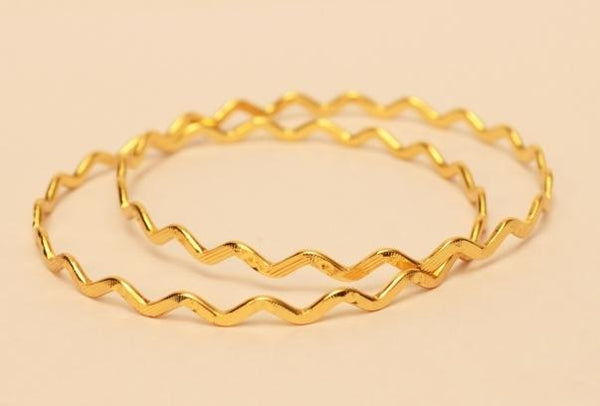 Zig zag gold plated bangle