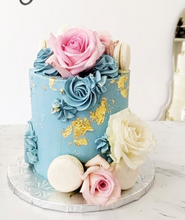 Load image into Gallery viewer, Monochrome Buttercream & Fixings Cake