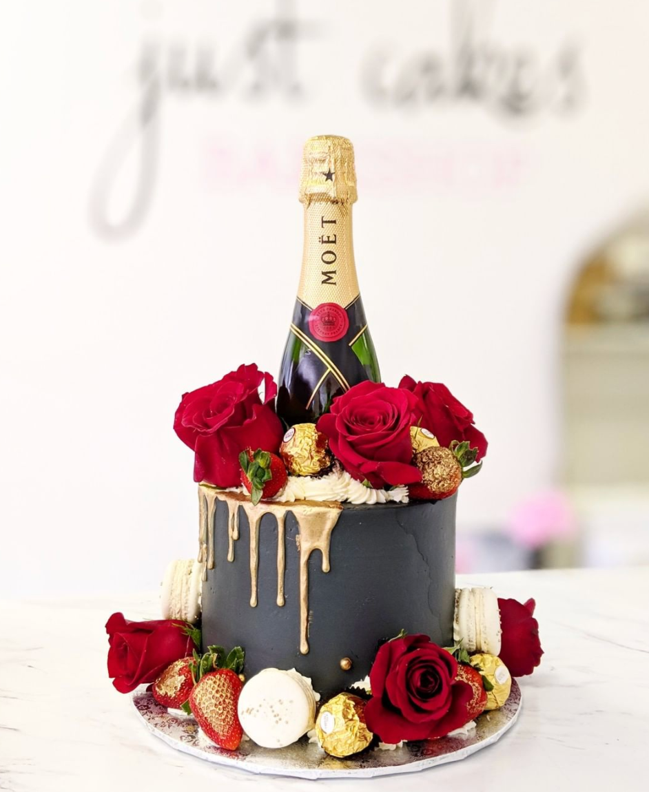 Lux Floral, Berries & Gold Cake