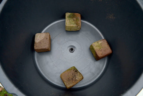 Stone on the tub