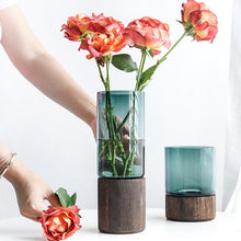 Load image into Gallery viewer, Verde Vase