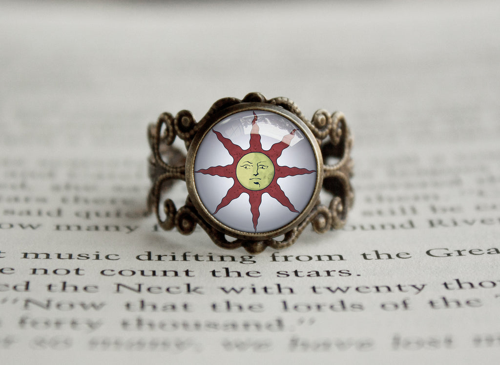 Praise the Sun dark antique style ring Souls Series