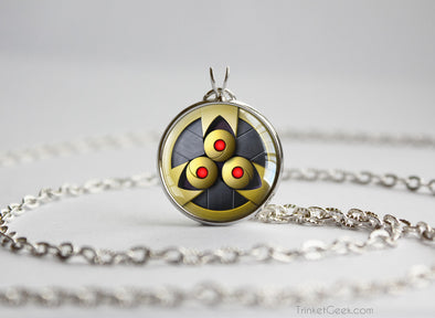 Pkmn SHINY Aegislash Shield Pendant