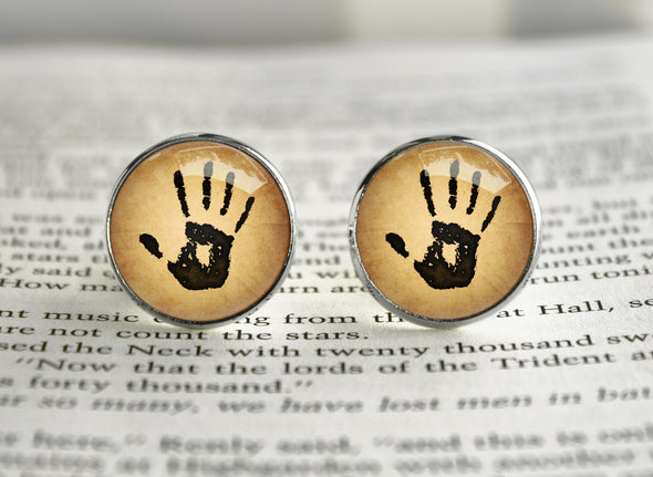 The Dark brotherhood Mysterious Note We know Cufflinks
