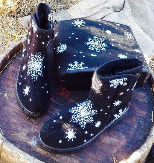 Snowflake Boots and purse