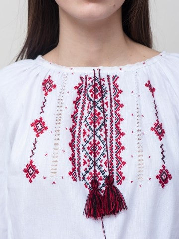 Embroidered blouse C8