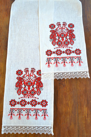 Doves Table runner (Рушник)