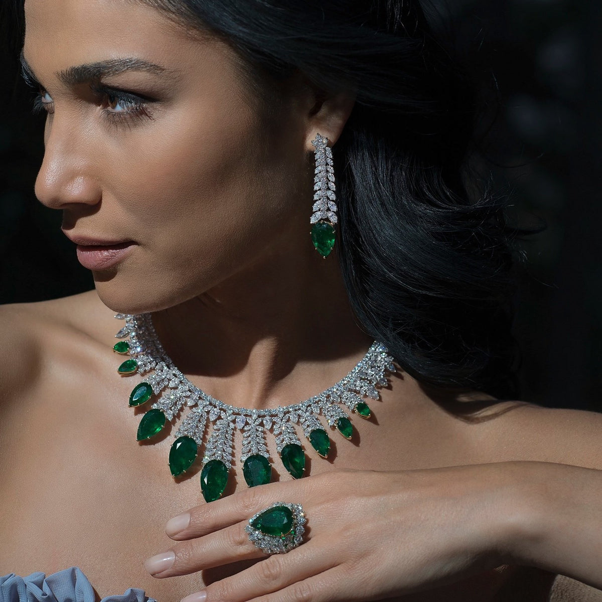 Buy necklace online in Saudi Arabia | Necklaces with diamonds in UAE