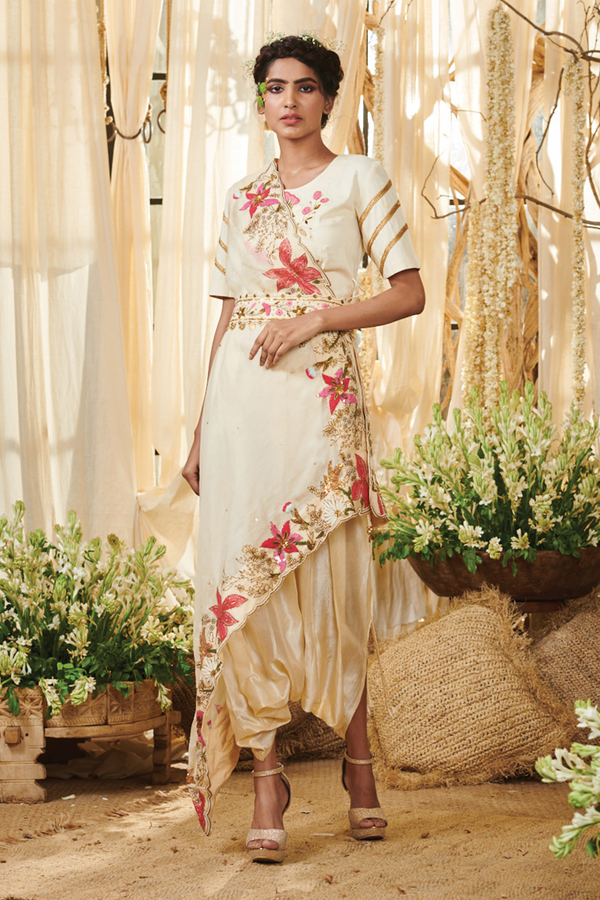Lily Border Dhoti saree with a Belt