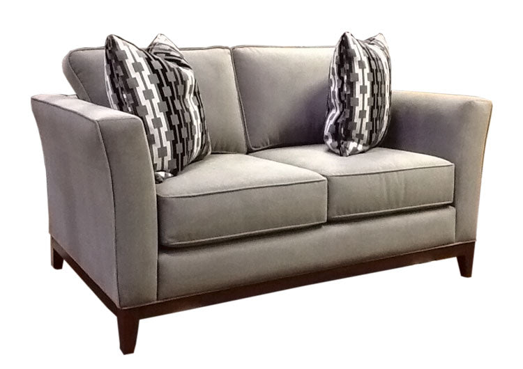 428-02 Loveseat