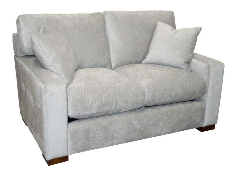 471-02 Loveseat