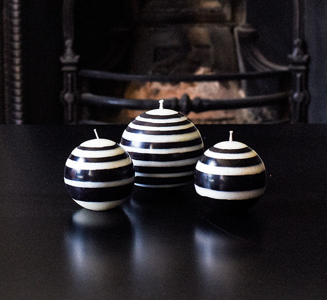 BRITISH COLOUR STANDARD - Large Striped ball Eco Candle in Jet and Pearl.