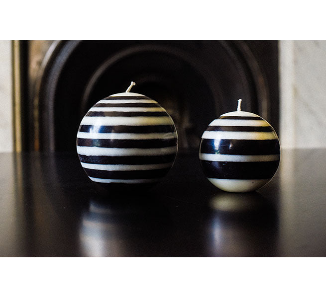 BRITISH COLOUR STANDARD - Small Eco Ball Candle - Jet and Pearl.