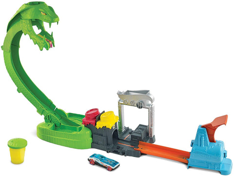 Hot Wheels Toxic Snake Strike City Toxic Creatures Play Set