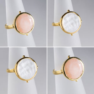 Mother of Pearl Round Ring Gold