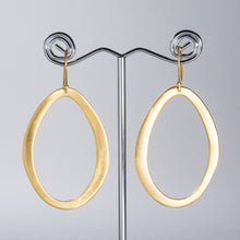 Load image into Gallery viewer, Organic Shape Hoops Matt Gold