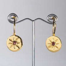 Load image into Gallery viewer, Garnet Round Star Earrings Gold