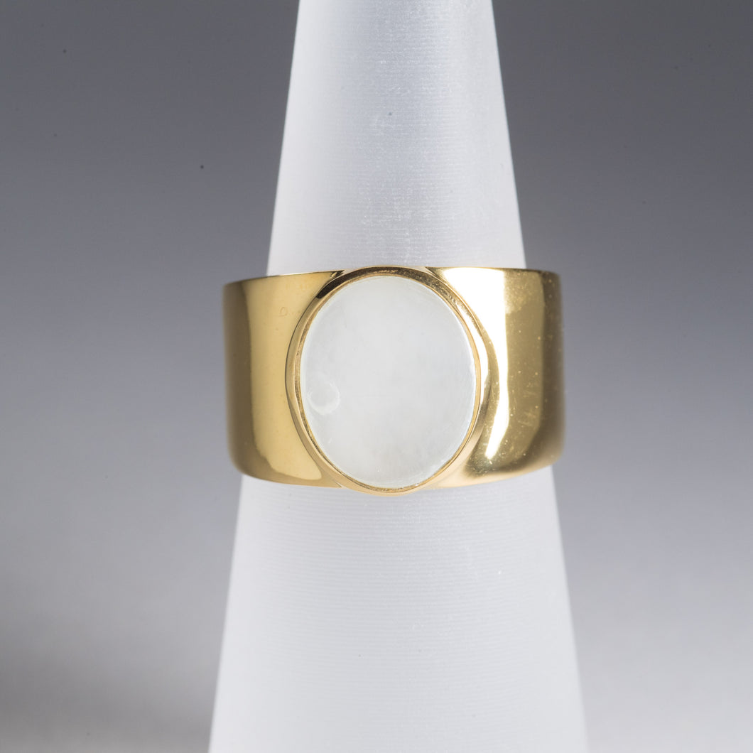 Mother of Pearl Ring Gold