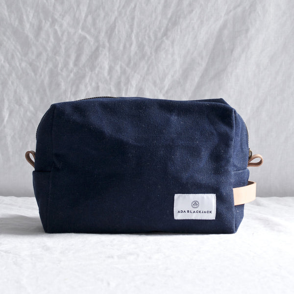 NAVY CANVAS & LEATHER TRIM DOPP KIT