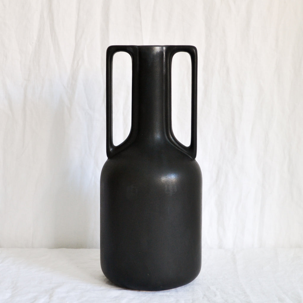 BLACK CERAMIC VASE WITH HANDLES