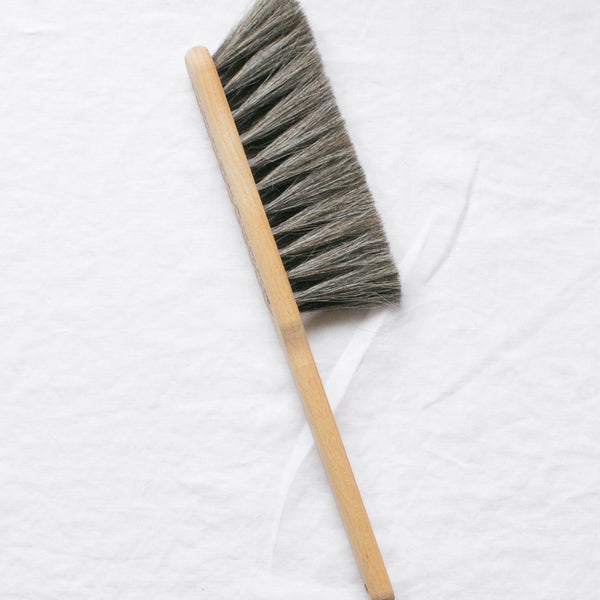 BEECH WOOD DUST BRUSH BROWN
