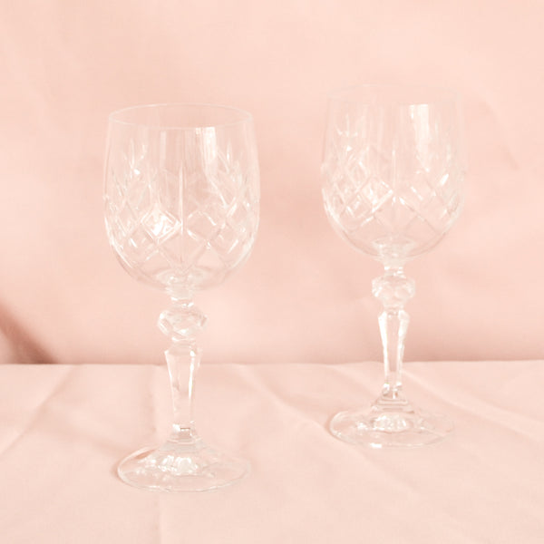 VINTAGE SET OF 6 CRYSTAL WINE GLASSES