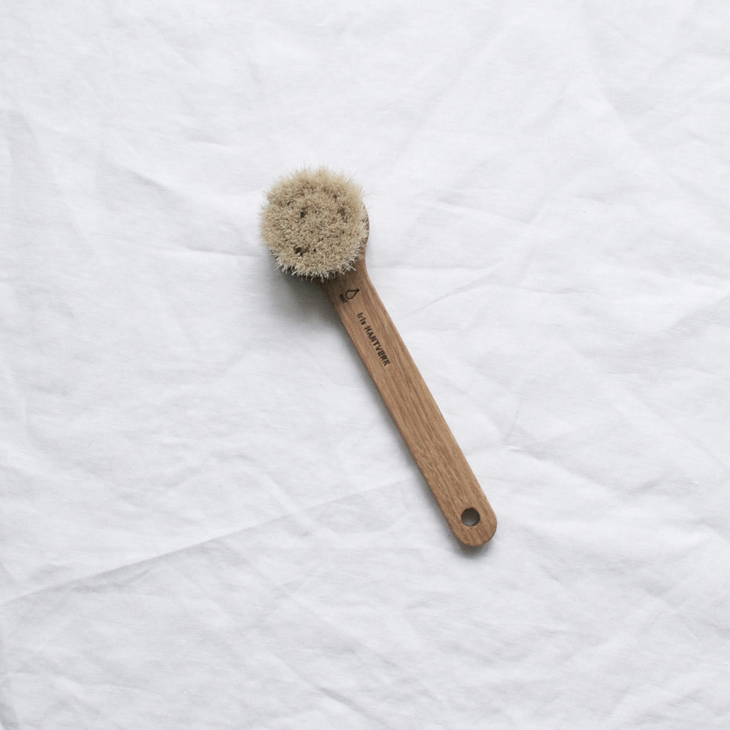 OAK WOOD FACE BRUSH