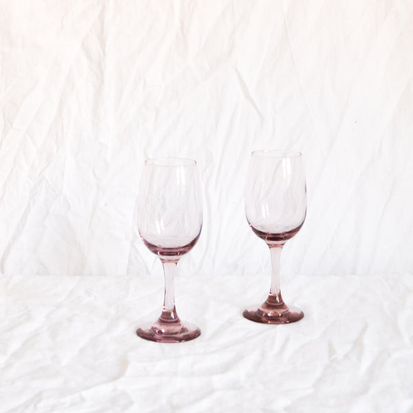 VINTAGE PAIR OF PINK WINE GLASSES