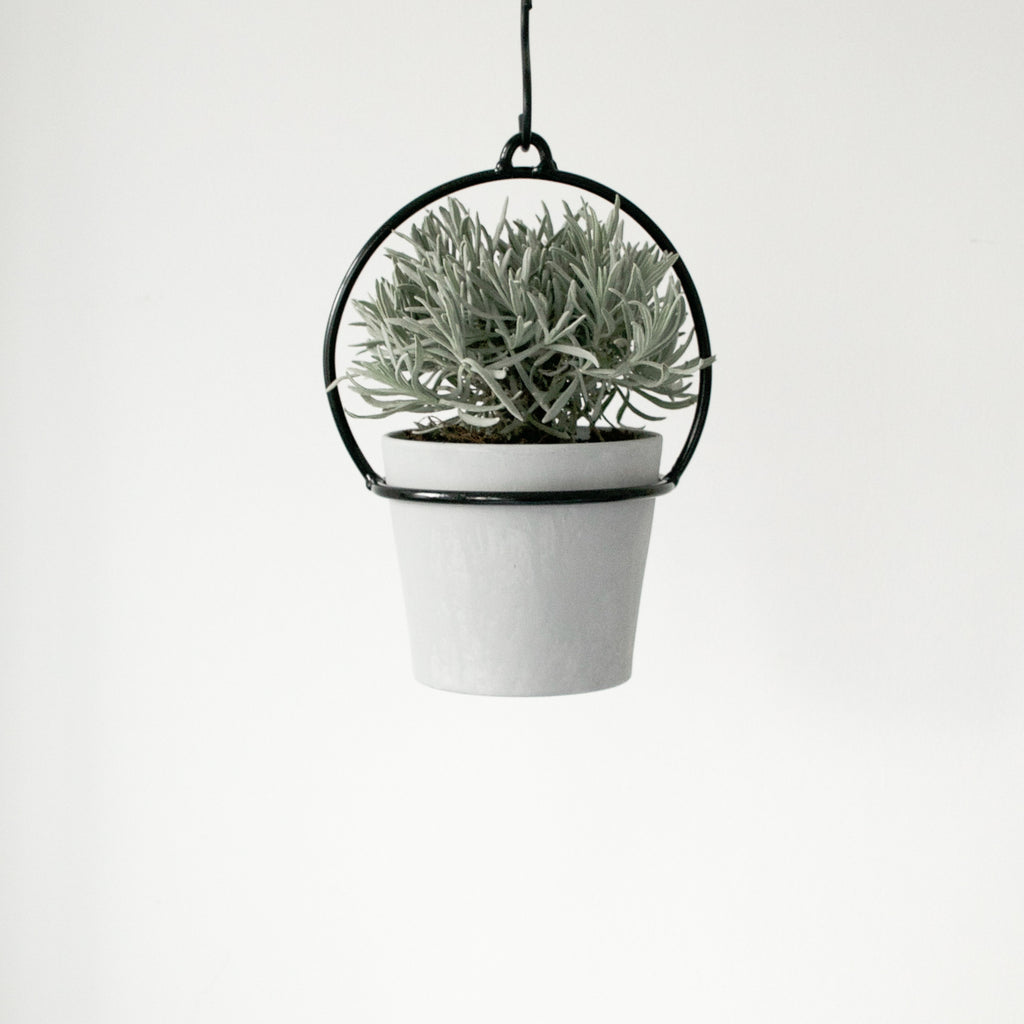 BLACK METAL PLANT HANGER SMALL