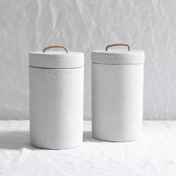 GREY CONCRETE POT
