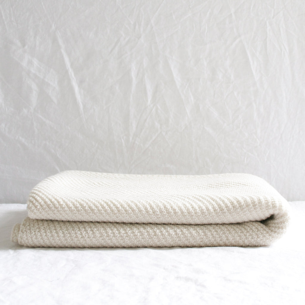 LARGE CREAM WOOL KNIT PREMIUM THROW