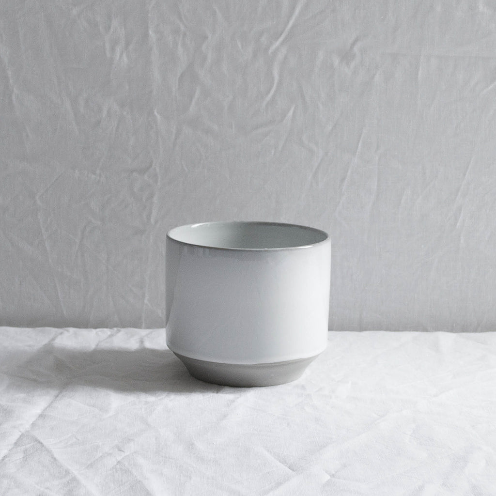 WHITE CERAMIC MATTE & GLAZE PLANT POT MEDIUM