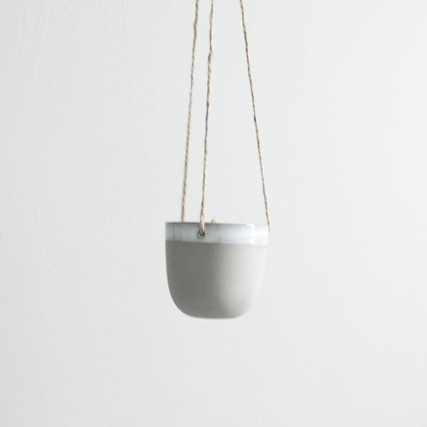 GREY CERAMIC MATTE & GLAZE HANGING POT SMALL