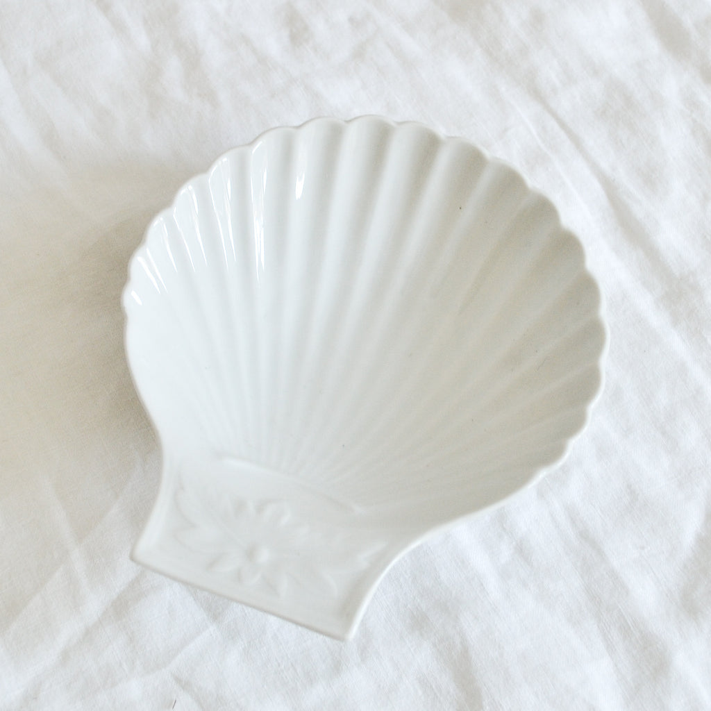 VINTAGE FRENCH WHITE PORCELAIN SHELL DISH